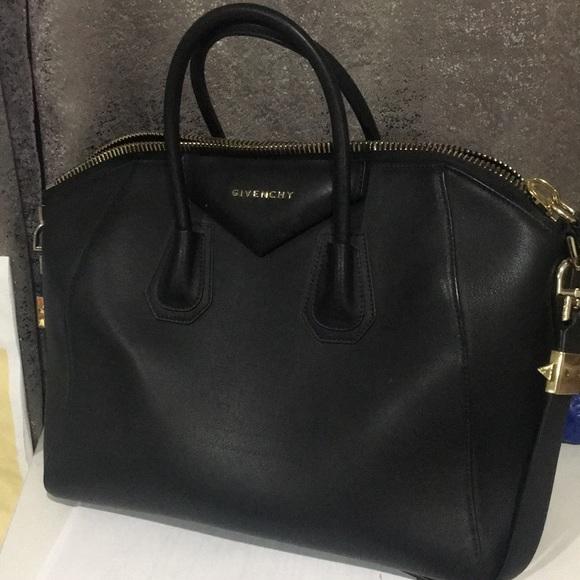 Givenchy Rubber Effect Black Antigona Bag medium e9b9eb5d743f5